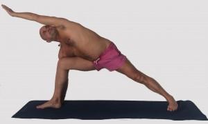 Parsvakonasana fiche posturale détaillée cours collectifs individuels a domicile massages Paris