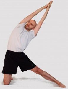 fiche posturale détaillée Parighasana centre yoga amrita cours collectifs individuels paris bastille gare de lyon